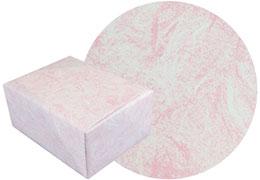 雲竜ピンク柄の包装紙と包装した箱の画像