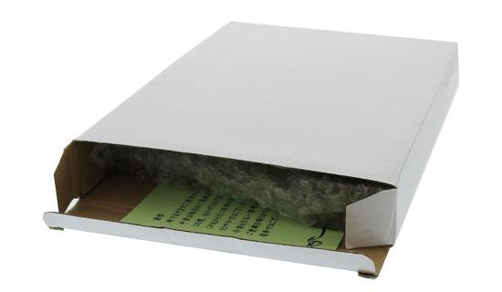 メッセージカードを白箱の中にセットした画像